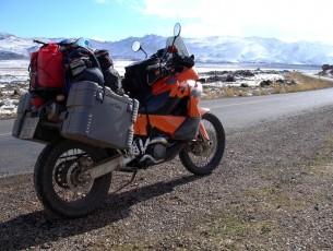 El equipamiento básico de la moto para viajes largos