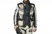 El equipamiento básico del piloto de moto para viajes largos